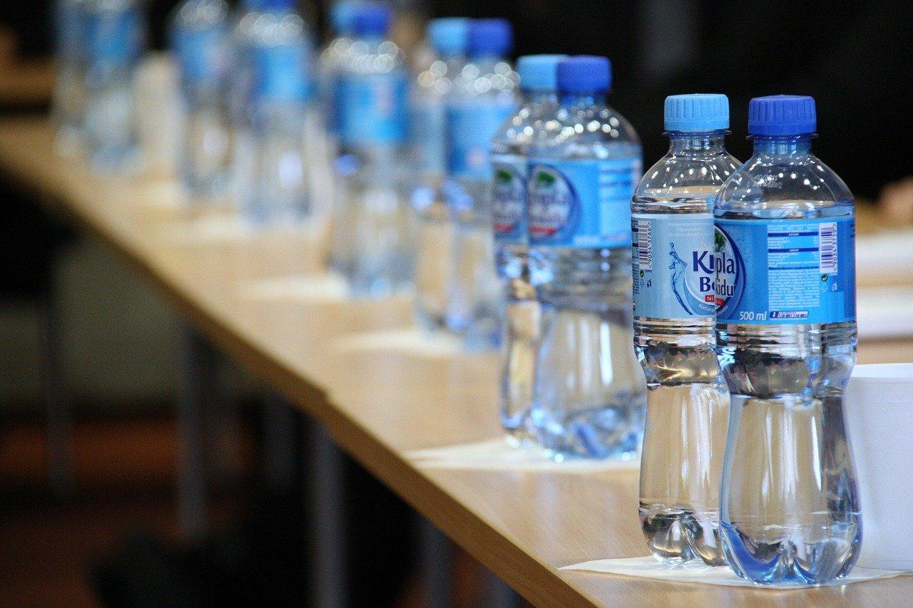 Упакованная питьевая вода